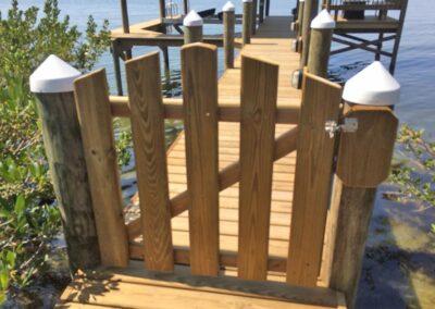 Single Custom Privacy Gate by Land and Sea Marine